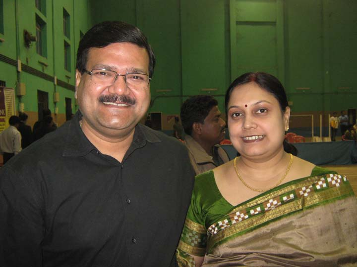 Former State champion Sourya Sundar Das with his wife Nita in Bhubaneswar on<b> Dec 13, 2009.