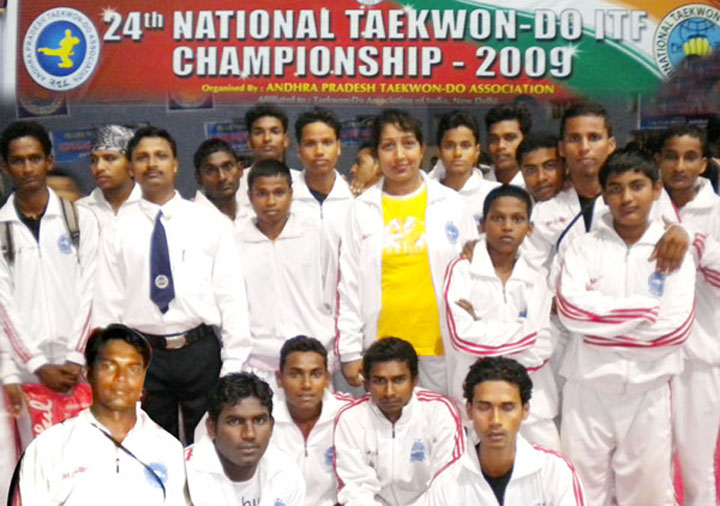 Medal winning Orissa squad at the ITF National Taekwon-do Championship in Kakinada (AP) on <b>December 30, 2009.