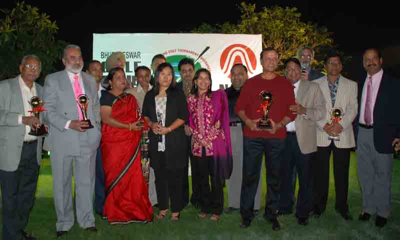 Prize winners of the 7th Nalco East Zone Golf Tournament at the BGC course in Bhubaneswar on <b>January 30, 2010.