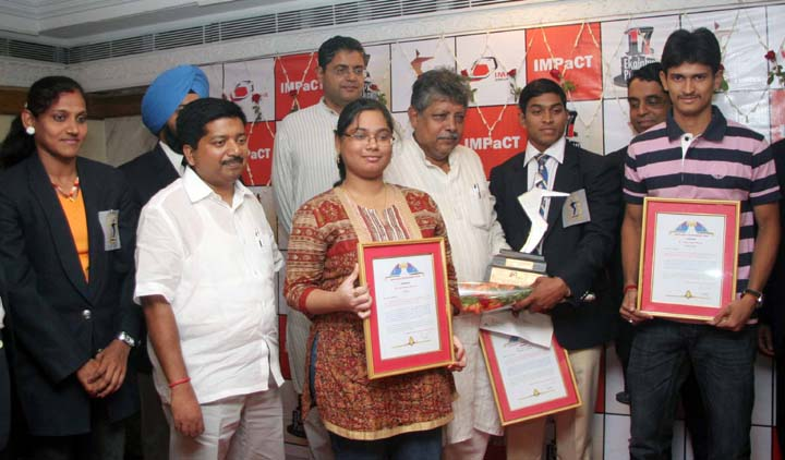 Sportspersons and guests at the presentation function of 17th Ekalabya Award in Bhubaneswar on April 5, 2010.