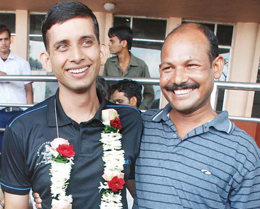 Orissa`s Mount Everest conquerers Devidutta Panda (Left) and Ganesh Chandra Jena in Bhubaneswar on August 27, 2011.