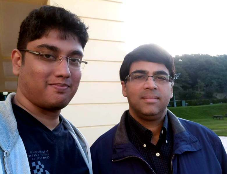 Leading Odisha player Swayams Mishra with legend Viswanathan Anand at Douglas, Isle of Man on Sept 25, 2017.