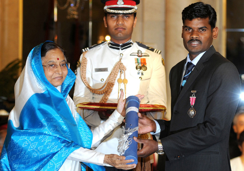 Odisha hockey star Ignace Tirkey receives Padma Shri Award from President Prativa Patil at New Delhi in 2010.
