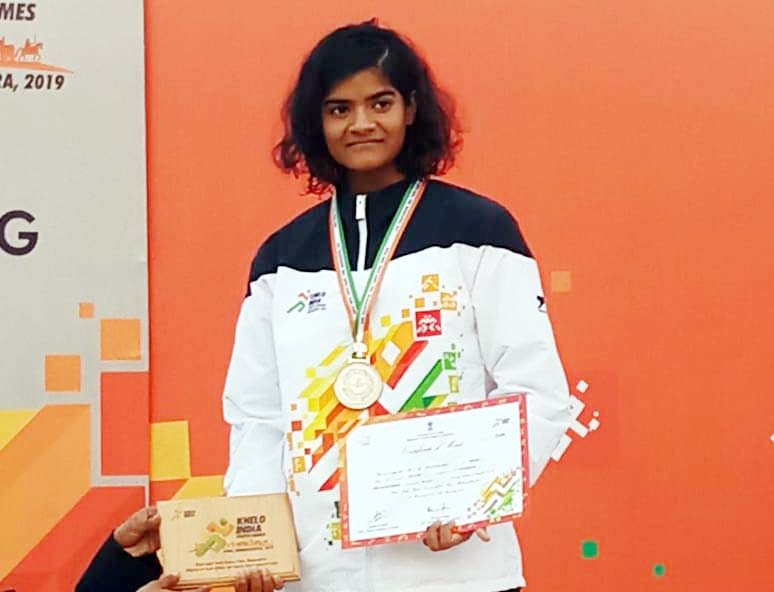 Odisha swimmer Pratyasa Ray with her Khelo India Youth Games medal in Pune, January 2019.