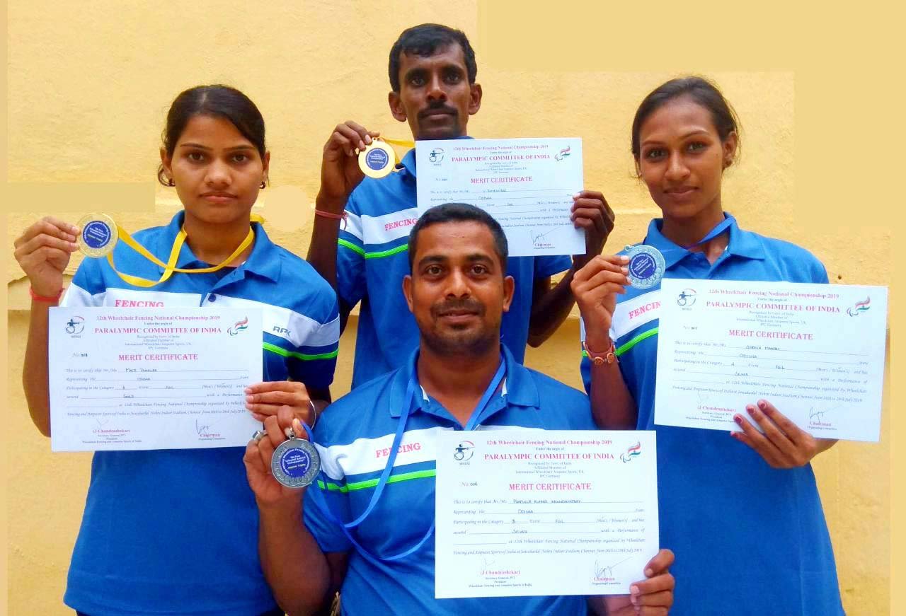 Odisha fenceers Malti Panaure (extreme left), V Ramesh Rao (Centre back), Prafulla Kumar Khandayatray (Centre front) and Sheela Mantri with their medals at the 12th National Wheelchair Fencing Championship in Chennai in 27 July, 2019.