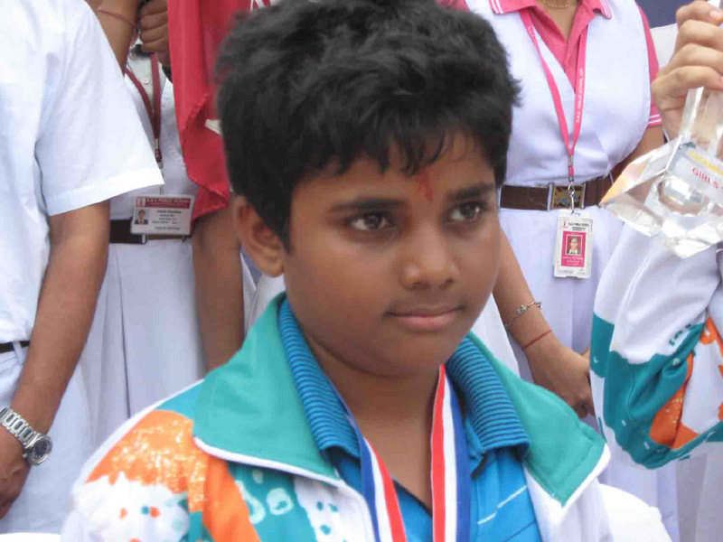 World Youth Chess medallist Sidhant Mohapatra is felicitated by Chandrasekharpur DAV School in Bhubaneswar on Nov 1, 2008.