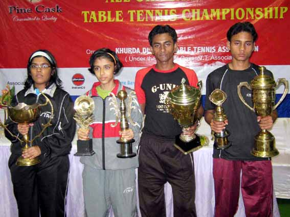 State table tennis title winners (L to R) Soumya Gayatri Tripathy, Samartha Prusty, Tousif Haque and Asif Haque in Bhubaneswar on Nov 2, 2008.