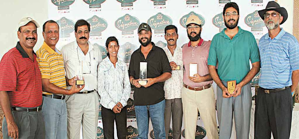 Prize winners and guests at the closing function of the BGC intra-club golf tournament in Bhubaneswar on Nov 2, 2008.