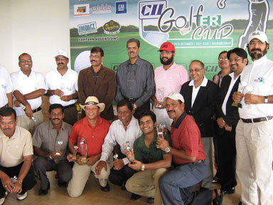 Prize winners at the closing function of the CII Eastern Region Golfer Cup Tournament in Bhubaneswar on Dec 20, 2008.