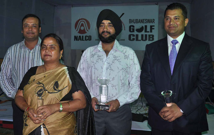 Prize winners and guests at the presentation function of the Naloco East Zone Golf Tournament in Bhubaneswar on Jan 25, 2009.
