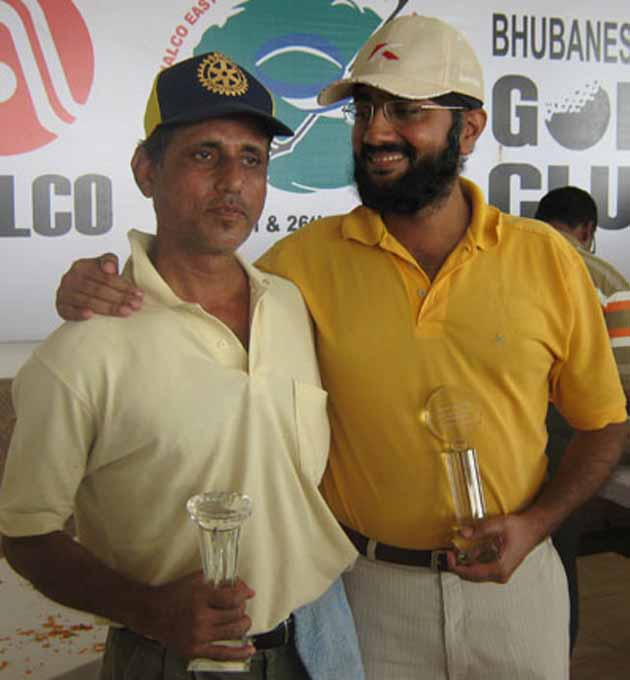 Srimoy Kar (L) and Dalbir Singh of BGC `A` take the team trophy at the Naloco East Zone Golf Tournament in Bhubaneswar on Jan 26, 2009.