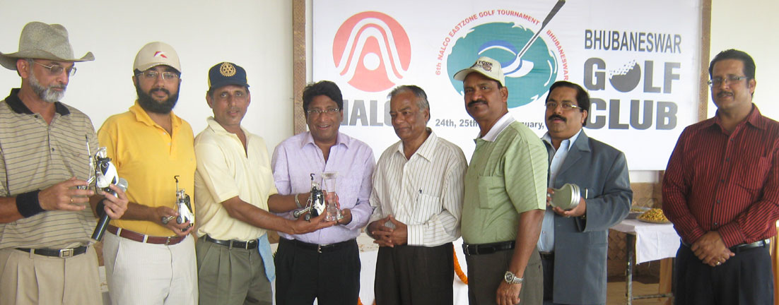 Members of BGC-A receive the trophy after winning the team event at the 6th Nalco East Zone Golf Tournament in Bhubaneswar on Jan 26, 2009.