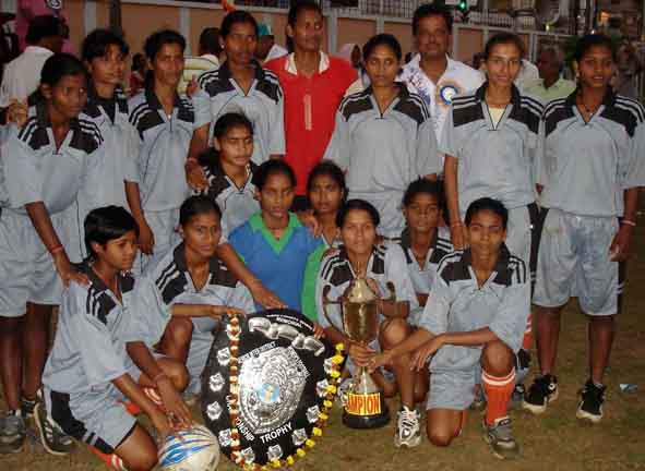 <b>Bhubaneswar</b> team poses after winning the<b> PC Behera Memorial Women`s Inter-District Football Tournament </b>at Cuttack on Feb 23, 2009.