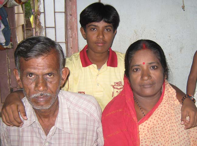 Orissa woman cricketers <b>Priyanka Priyadarshini Sahoo </b> at home with her parents in Bhubaneswar on <b>May 16, 2009.