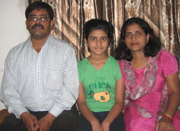 <b>Pooja Senapati </b>with her parents in Bhubaneswar on <b>May 21, 2009.