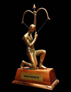 New design of <b>Arjuna Award, prepared by Orissa artist GP Sahu in 2009.