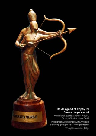 New design of <b>Dronacharya Award</b>, prepared by Orissa artist GP Sahu in 2009.