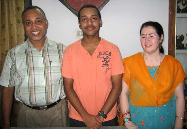 Anwesh Upadhyaya with his father Netajee Upadhyaya and mother Jayashree Upadhyaya in Bhubaneswar on <b>September 11, 2009.