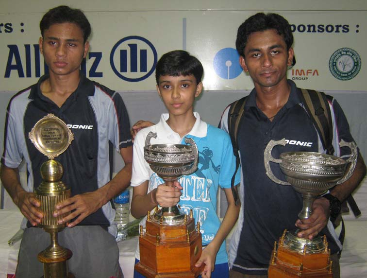 Title winners (L to R) Asif Haque, Samartha Prusty and Tousif Haque at the KDTTA All-Orissa Ranking Table Tennis Tournament in Bhubaneswar on <b>Oct 4, 2009.