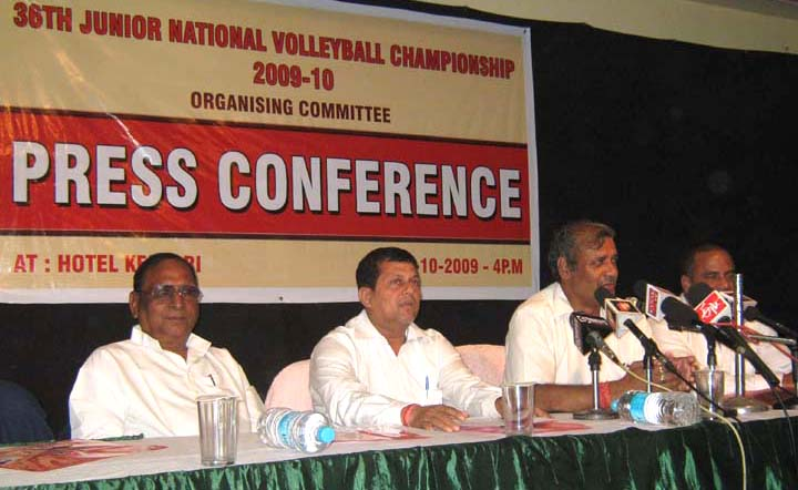 Officials of the organising committee brief about the staging of the 36th Junior National Volleyball Championship in Bhubaneswar on <b>Oct 14, 2009.