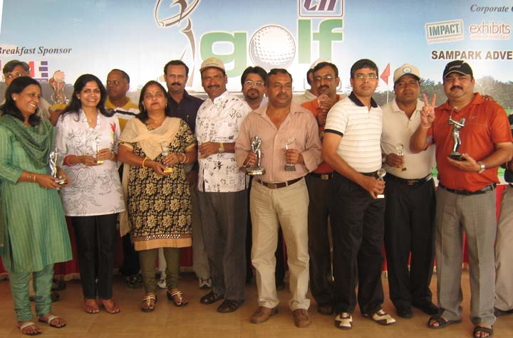 Prize winners and guests at the CII Eastern Region Golf Tournament in Bhubaneswar on <b>Oct 31, 2009.
