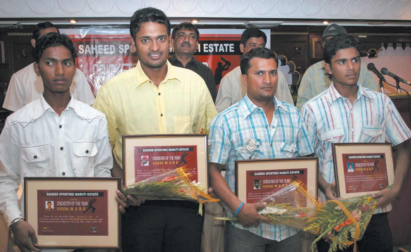 (Left to Right) Lagnajit Bej, Debasis Mohanty, Pravanjan Mullick and Govind Ranjan Podar with the Maruti Estate Saheed Sporting Cricketer of the Year Awards in Bhubaneswar on April 16, 2008.