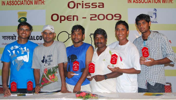 Prize winners of the KDTA Orissa Open Tennis Tournament in Bhubaneswar on <b>Nov 15, 2009.