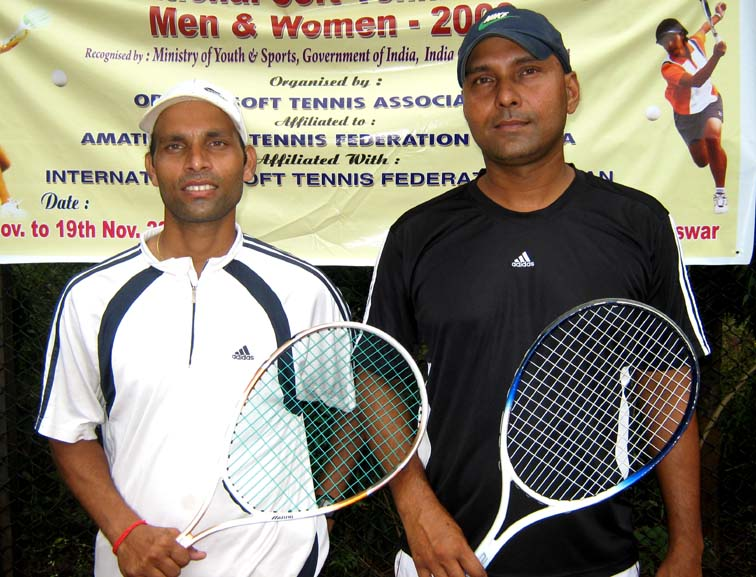 Orissa medallists Ajay Nishank (Left) and Lalit Dash at the Senior National Soft Tennis Championship in Bhubaneswar on <b>Nov 19, 2009.