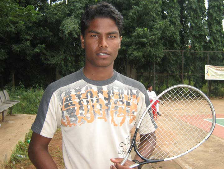Orissa player Jitendra Kumar Badi at the Senior National Soft Tennis Championship in Bhubaneswar on <b>Nov 19, 2009.
