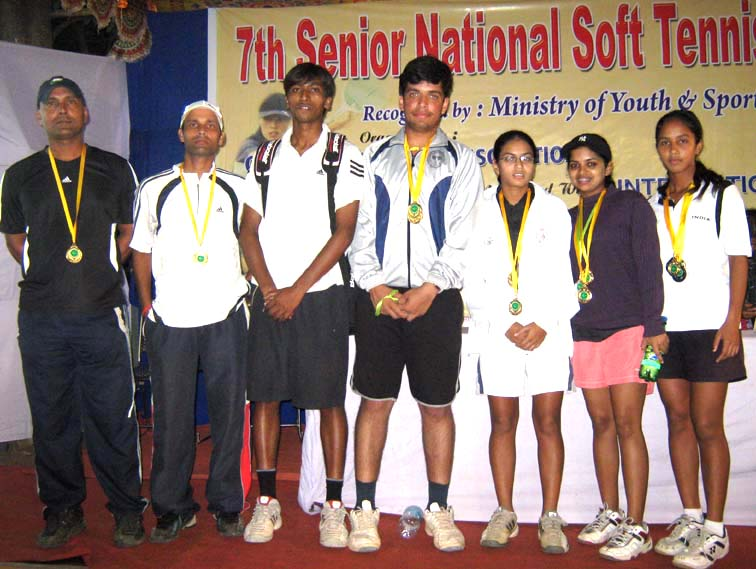 Gold medal winners of the 7th Senior National Soft Tennis Championship in Bhubaneswar on <b>Nov 19, 2009.