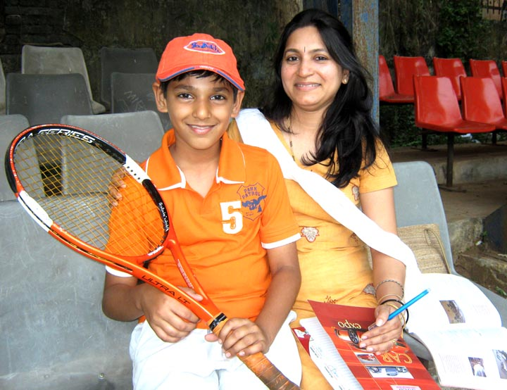 Promising talent Anish Mishra with his mother in Bhubaneswar on <b>December 4, 2009.